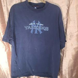 Vintage 1990s embroidered NY Yankees shirt xl